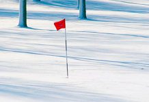 Jugar al golf en invierno