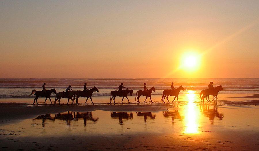 Playa de Chiclana de la Frontera al atardecer
