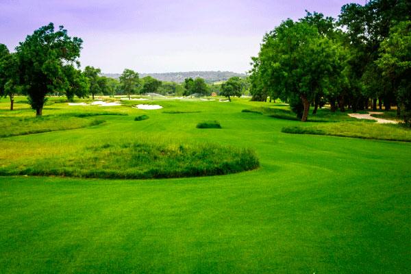Campos de golf la moraleja for Club social la moraleja
