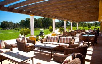 Terraza del restaurante La Estancia Golf