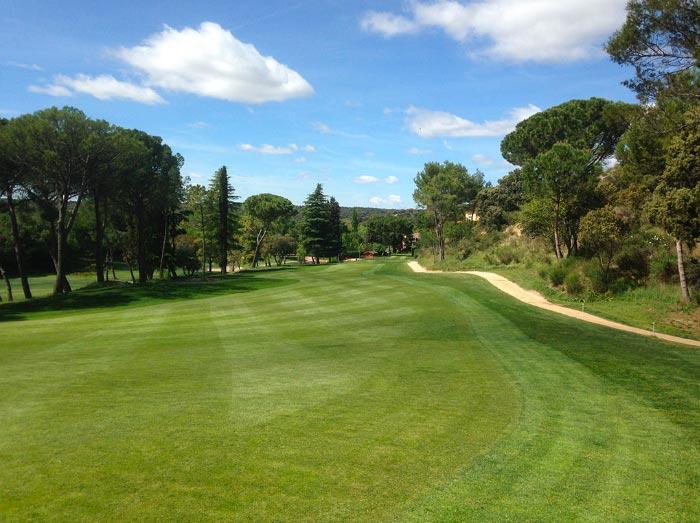 Calle en un hoyo del club de Golf Lomas-Bosque ▷ MundoGolf.golf