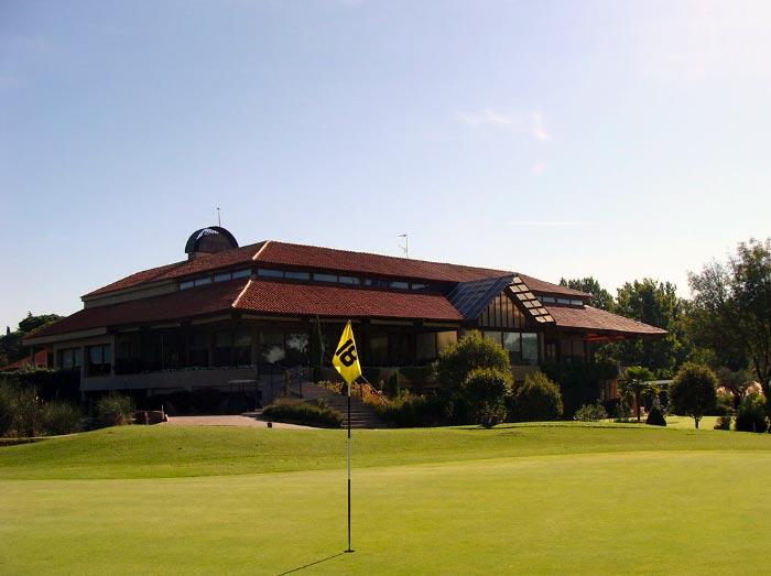 Casa club Golf Lomas-Bosque ▷ MundoGolf.golf