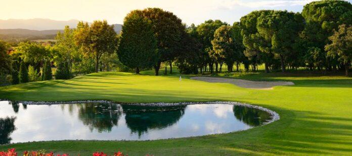 Torremirona Golf: 18 hoyos de aventura
