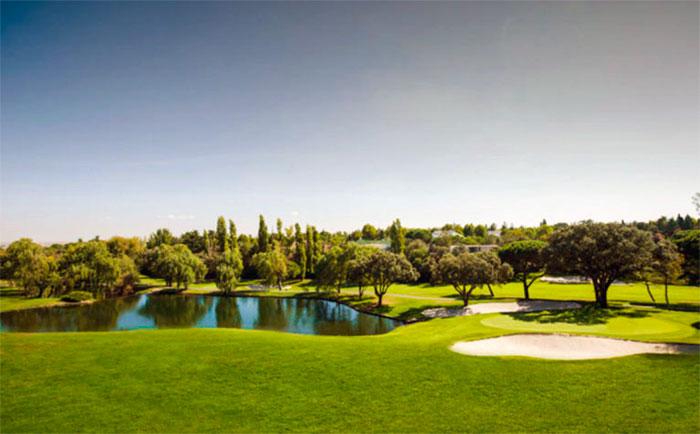 Precioso atardecer en el Real Club de Golf La Moraleja de Madrid | MundoGolf.golf